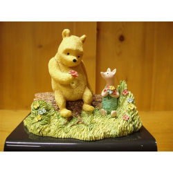 Pooh Piglet And Flowers